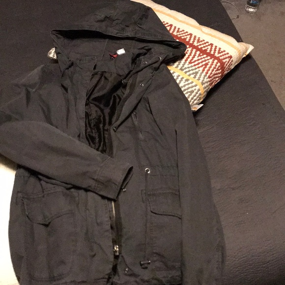 6f2eaf90e16 H&M Divided Navy Army Jacket
